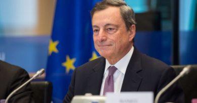 Draghi: «Senza vaccinazione si deve chiudere tutto di nuovo»