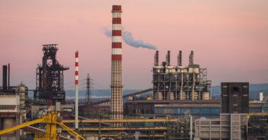 Ilva, ArcelorMittal non ferma gli impianti. Sindacati da Mattarella