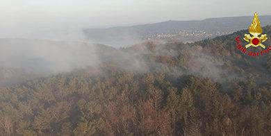 Video – Aggiornamento incendio nel comune di Sesto Calende