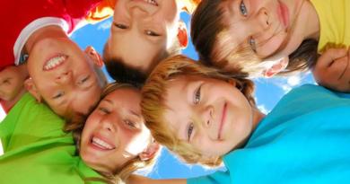 I consigli della dott.ssa Raffoni  Le corrette abitudini per la pulizia  dei denti dei bambini