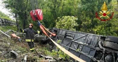 Incidente  Castelvetrano, schianto auto contro bus: si aggrava il bilancio – due morti